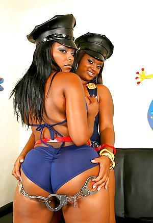 Black Lesbians Porn